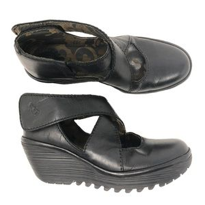 Fly London Yogo Wedge Size 38 Black Shoes Sandals